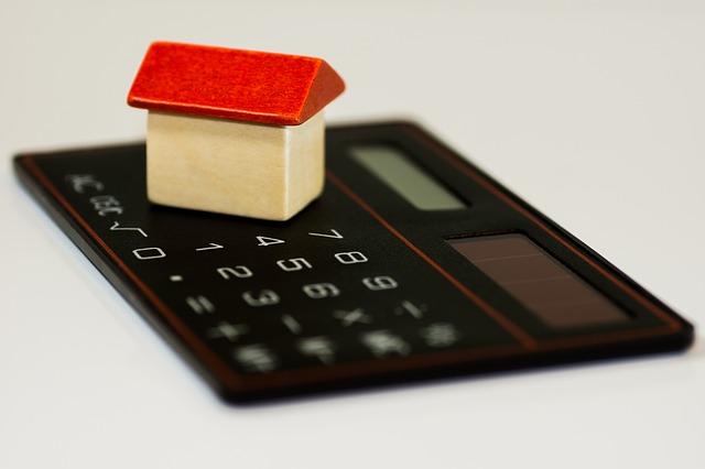 Hypotéky budou během roku 2017 stále více nedostupné